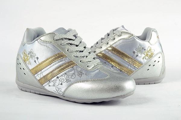 T2R 新鞋拍攝